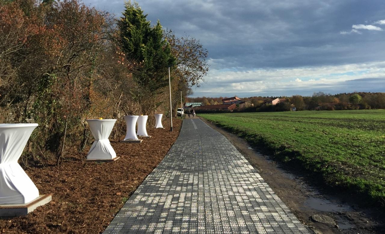 Nemčija s prvo solarno kolesarsko stezo (foto: http://www.solmove.com)