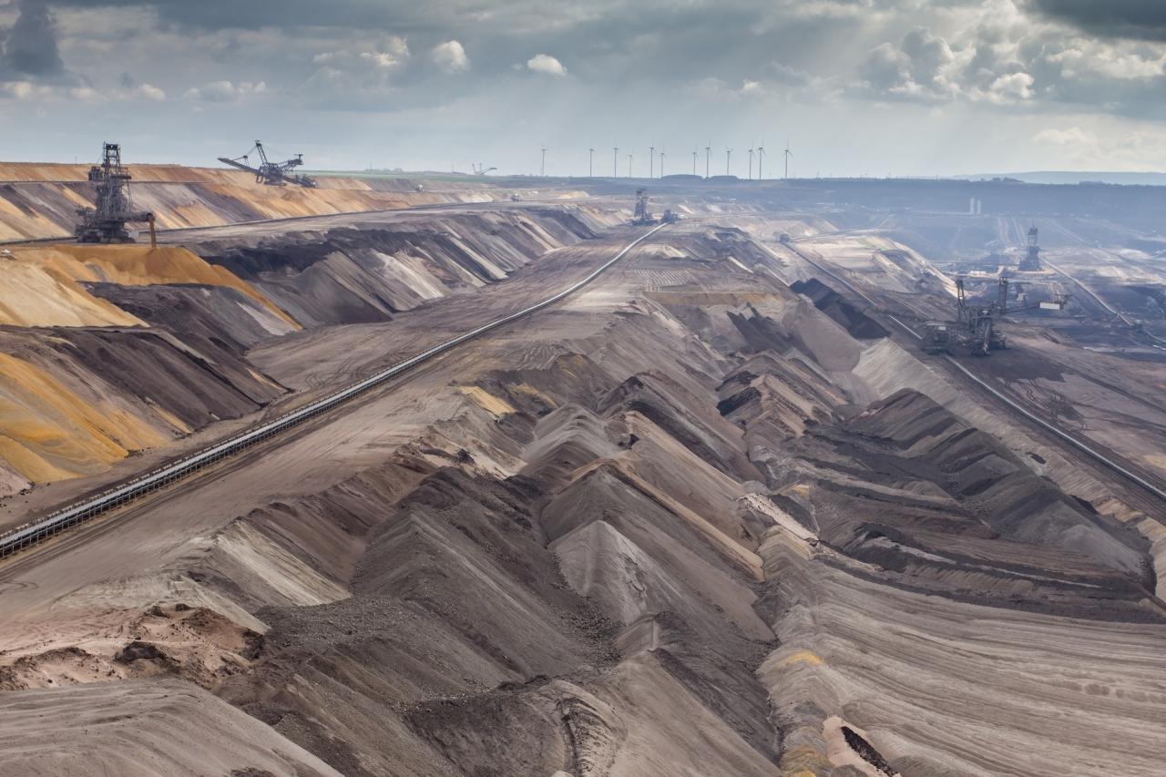 Obseg načrtovanih premogovnih zmogljivost upada