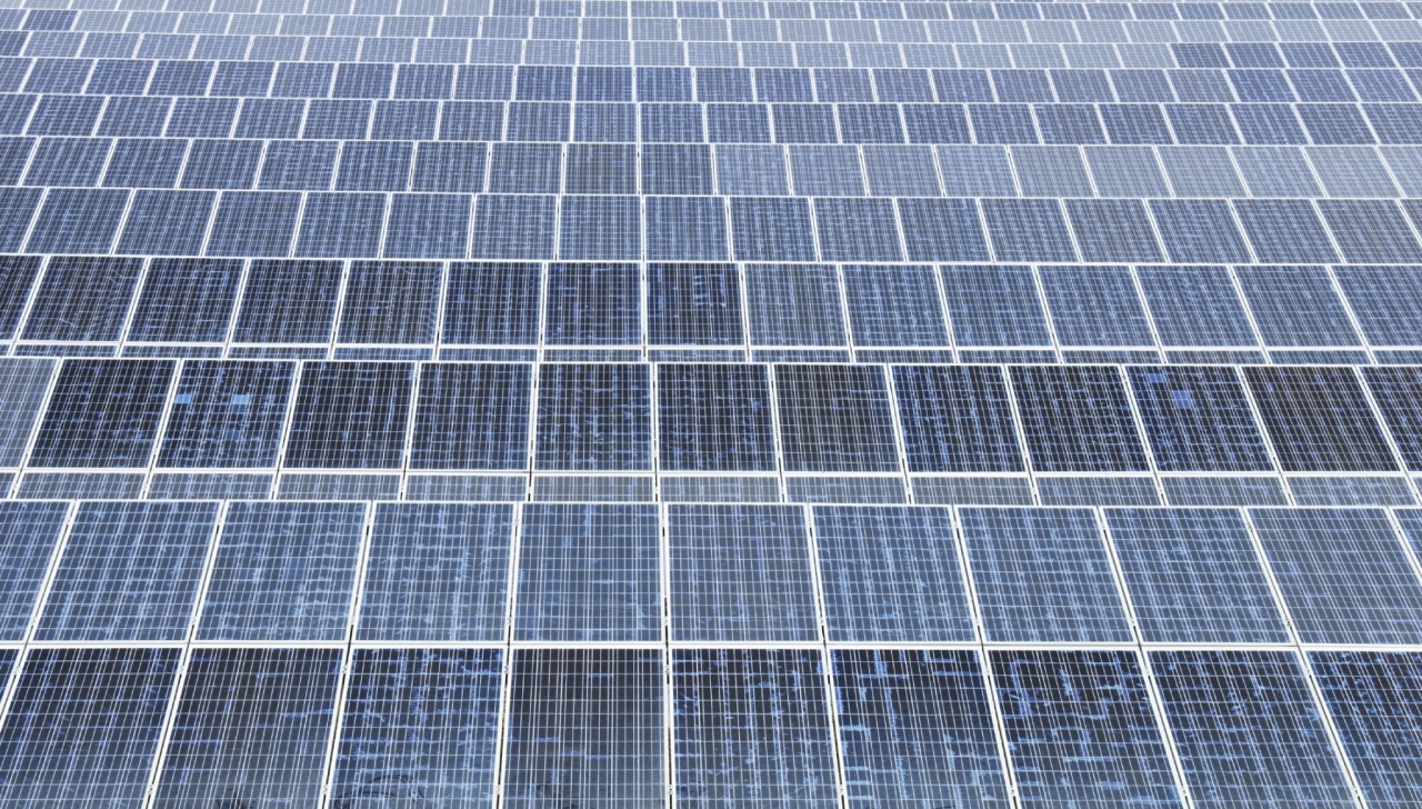 V Normandiji odprli prvo cesto s solarnimi paneli