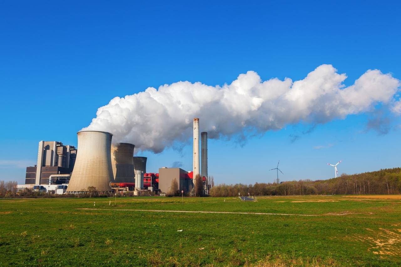 Vetrne in sončne elektrarne kmalu cenejše od termoelektrarn